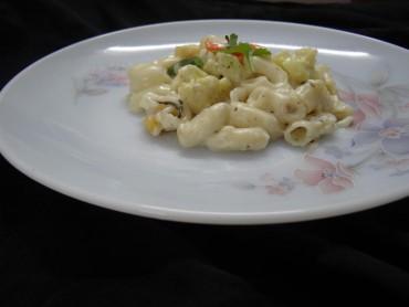Veggie white sauce pasta